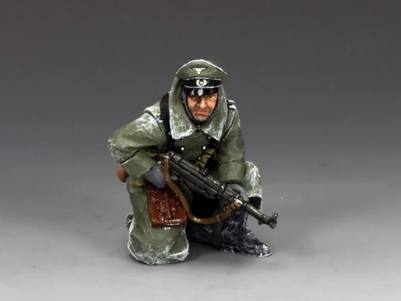 Kneeling Officer w/MP40