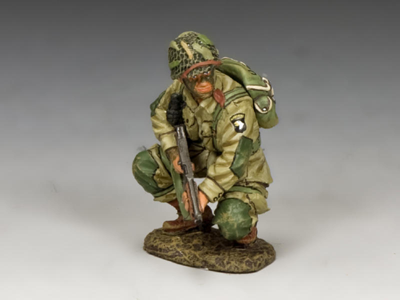 US Paratroopers Crouching Tommy Gunner (101st)