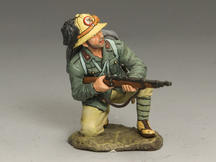 Kneeling w/ Rifle