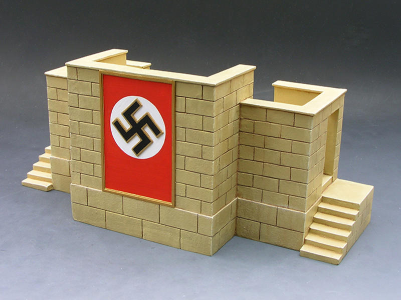 The Nuremburg Display Stand