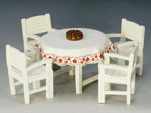 Berghof Table and Chairs